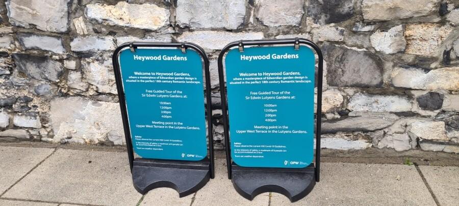Pavement swings signs